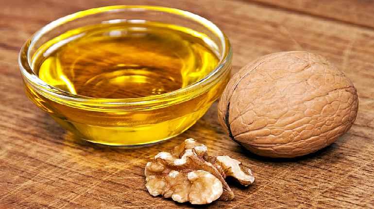 Масло и грецкий орех