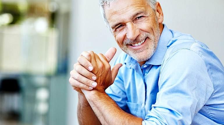 Пожилой мужчины с отличным здоровьем