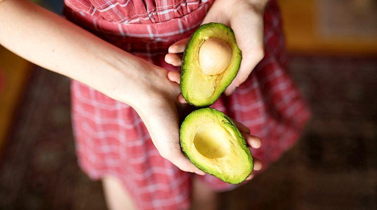 Кожура авокадо для еды