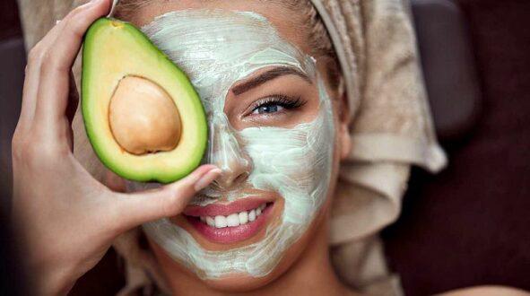 Как едят авокадо с кожурой или без